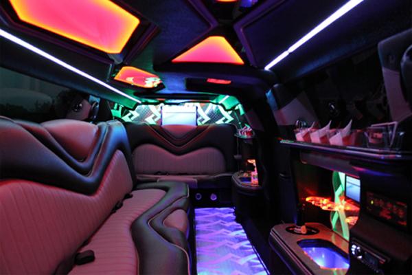 8 Person Chrysler 300 Limo Rental Edison